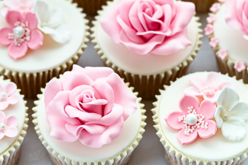 12624742 - wedding cupcakes